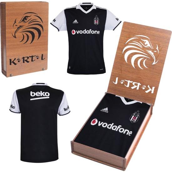 Beşiktaş Lisanslı Üç Yıldızlı Siyah Forma 2016 / 2017 Hediyelik Ahşap Kutulu